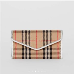 BURBERRY 1983 Check & Leather Envelope Card Case